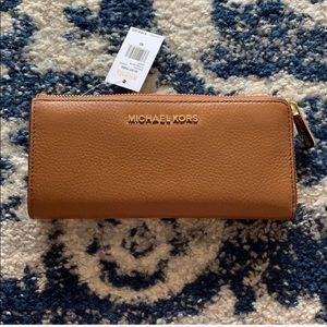 Michael by Michael Kors Luggage Wallet